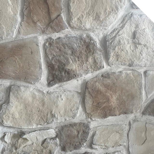 Field Stone – Walnut